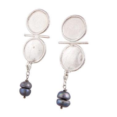 orecchini in argento con perle grigie